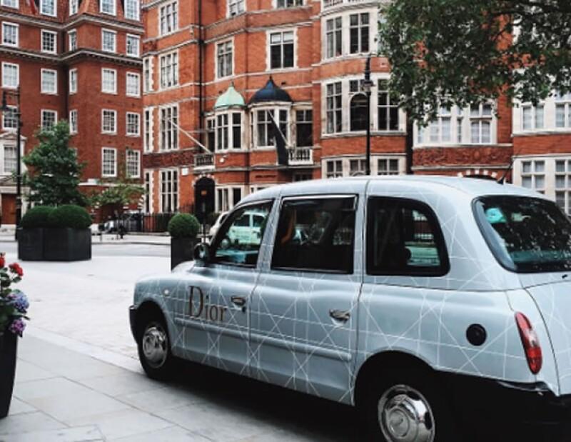 El taxi Austin es característico de Inglaterra