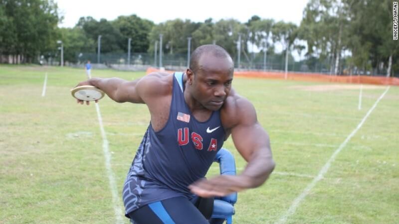 Dennis Ogbe atleta paralimpico