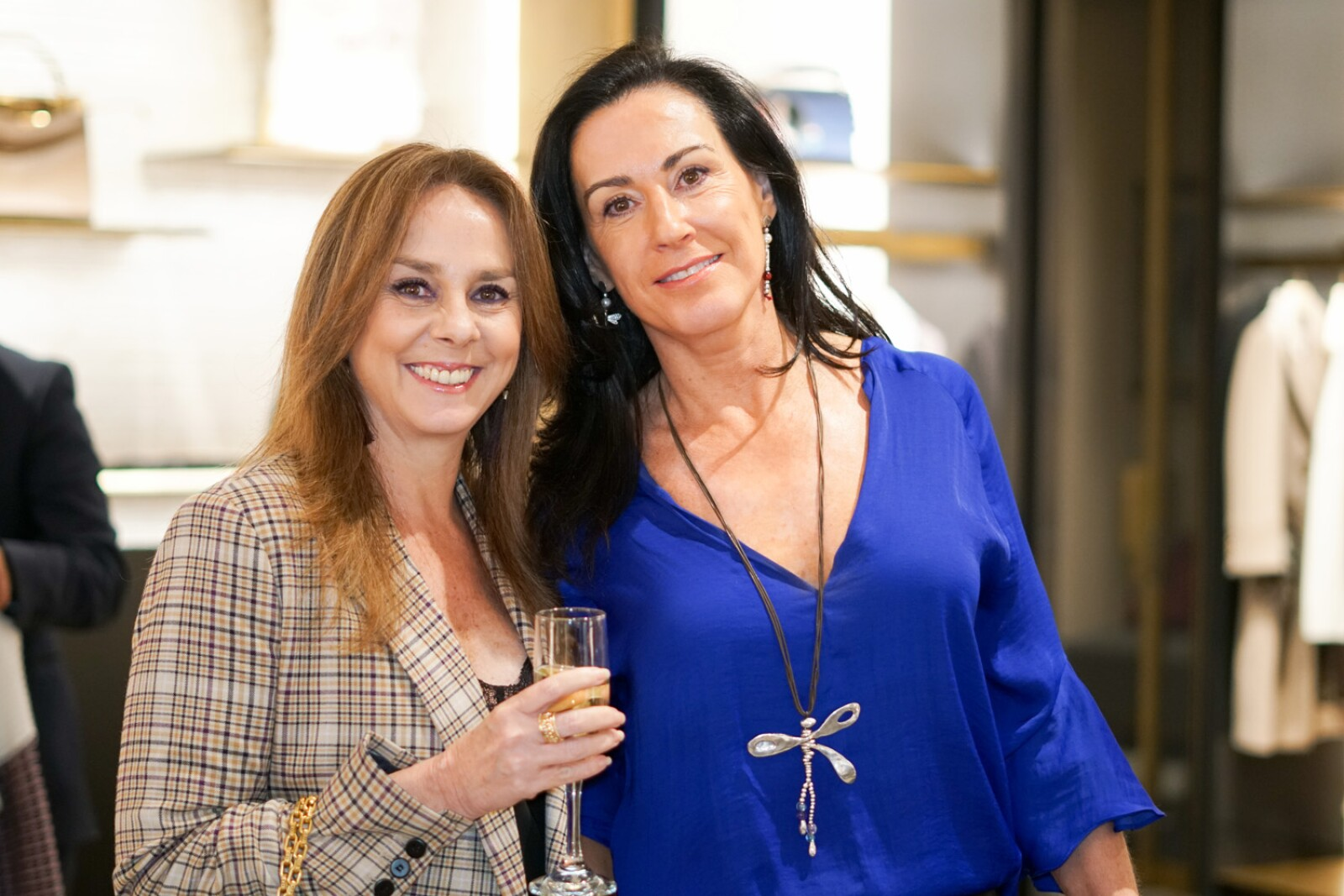 Veronica Barron y Mónica Evia.jpg