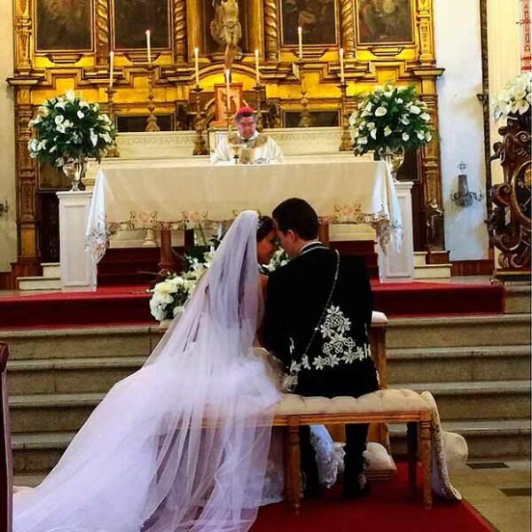 Anahí y Manuel Velasco se casaron esta mañana en la Catedral de San Cristóbal de las Casas.