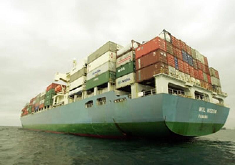 El puerto michoacano permite reducir cuatro días los tiempos de transportación. (Foto: AP)