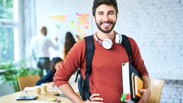 Universidad - universidades - universitario - formación universitaria - escuela - escuelas - estudiante