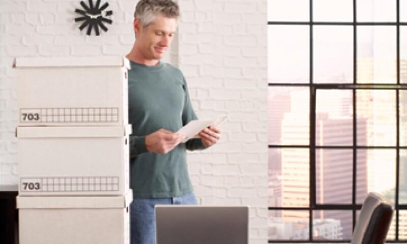 Haz un plan de financiamiento a mediano plazo para enfrentar posibles demoras en encontrar un nuevo empleo. (Foto: Getty Images)