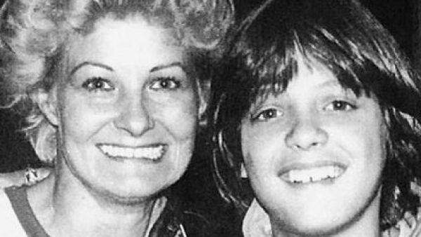 Luis Miguel con su mamá Marcela Basteri.
