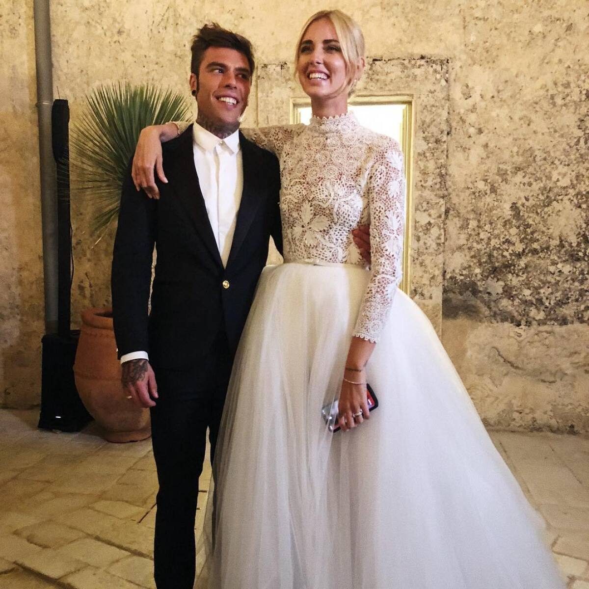 23296d73 Unveil the details of the wedding rings of Chiara Ferragni and Fedez