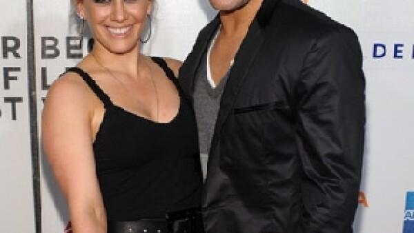 La actriz se casará con el jugador de hockey Mike Comrie, quien le propuso matrimonio durante sus vacaciones en Hawai.