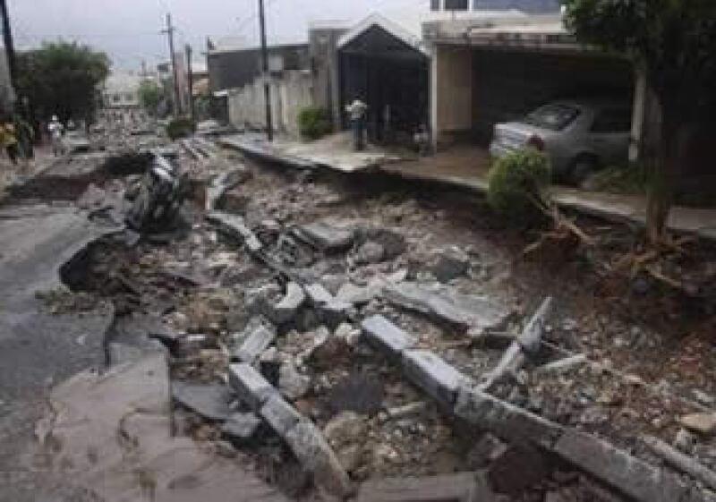 La Comisión Nacional de Vivienda (Conavi) dará 400 millones de pesos (mdp) para la rehabilitación de las viviendas afectadas por el paso del huracán Alex. (Foto: Reuters)