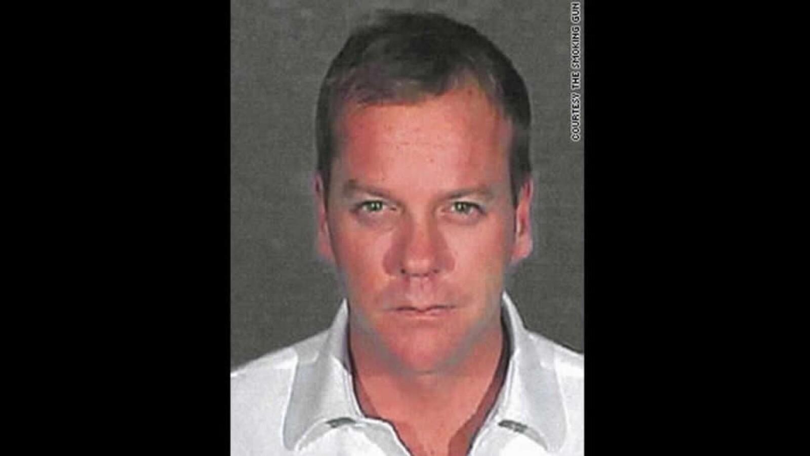En 2007, Kiefer Sutherland  posó para la foto de arresto