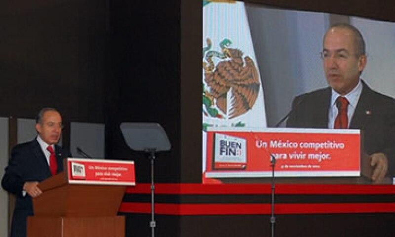 Felipe Calderón anunció un fin de semana de ofertas del 18 al 21 de noviembre, que se realizará con el apoyo del sector privado. (Foto: Cortesía Infonacot)