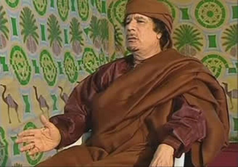 La UE sancionó a 27 personas entre ellas, el ex presidente Gadhafi y su familia. (Foto: AP)