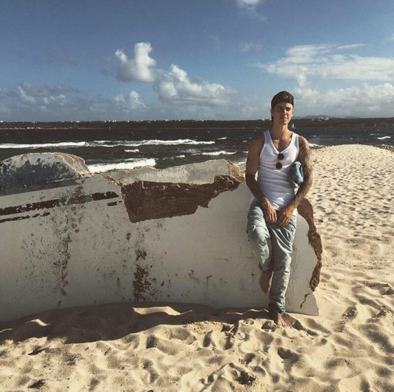 Por tratar de entrar con una cerveza y quitarse la ropa interior, las autoridades de las ruinas de Tulum le pidieron al cantante retirarse con sus amigos, entre quienes estaba la modelo Hailey Baldwin
