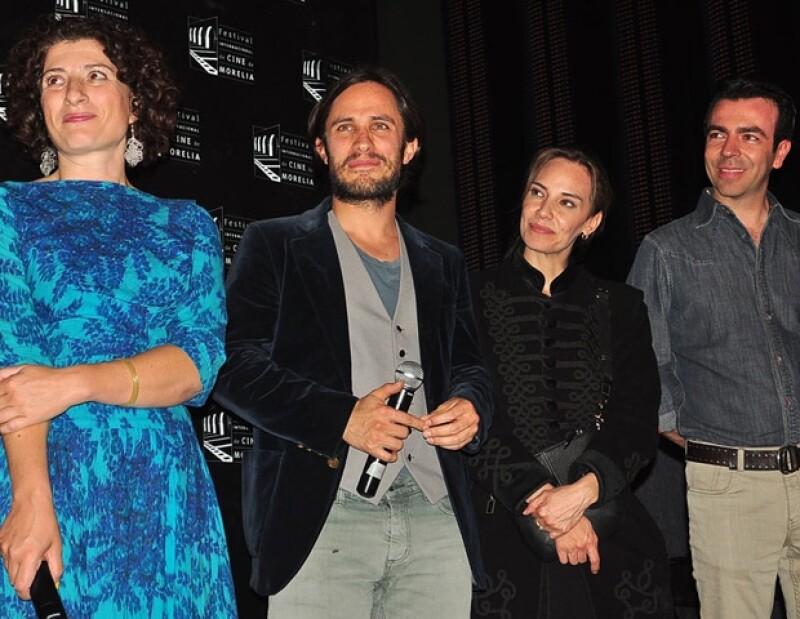 Gael García con Julia Loktev, Daniela Michel y el Director General de Cinépolis, Alejandro Ramírez.