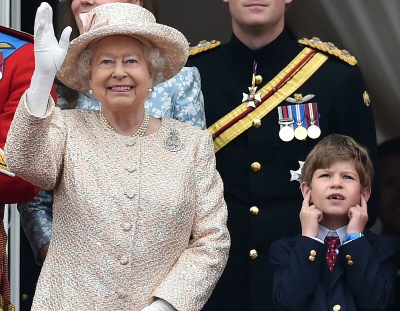 reina Isabel II u