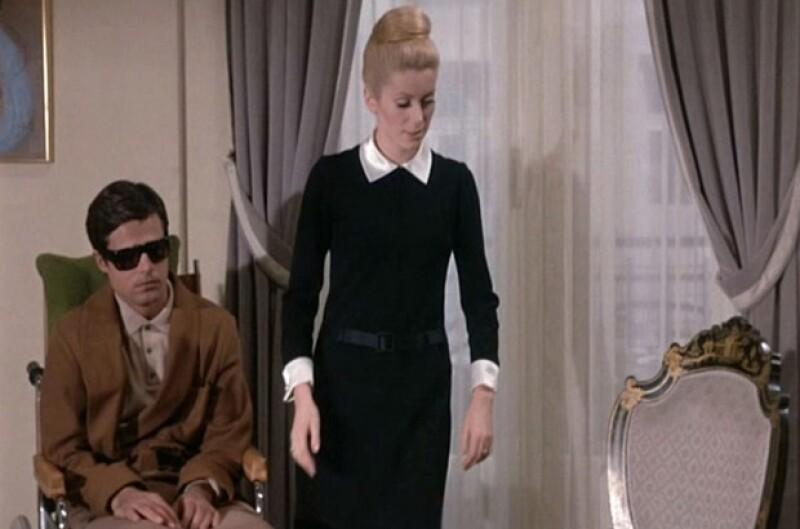 Catherine fue la musa indiscutible de Yves. En la imagen, la francesa vestida de YSL en Belle de Jour.