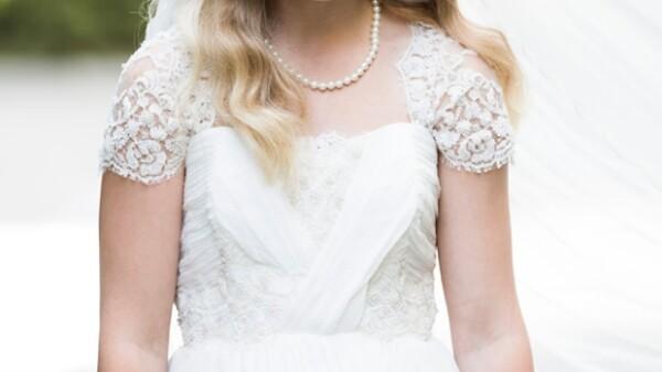 Thea tiene 12 años y está a dos días de contraer matrimonio con un hombre 25 años mayor que ella y el país nórdico se ha levantado en reclamos ante esta situación.