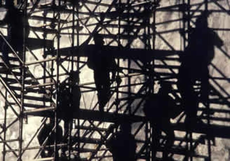 El número de obreros en la construcción disminuyó 3.6% en el sexto mes del año. (Foto: Photos to go)