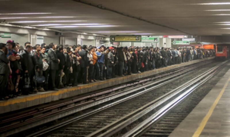 El GDF dijo que el aumento de 66% en el boleto del Metro se reflejará en un mejor servicio. (Foto: Cuartoscuro)