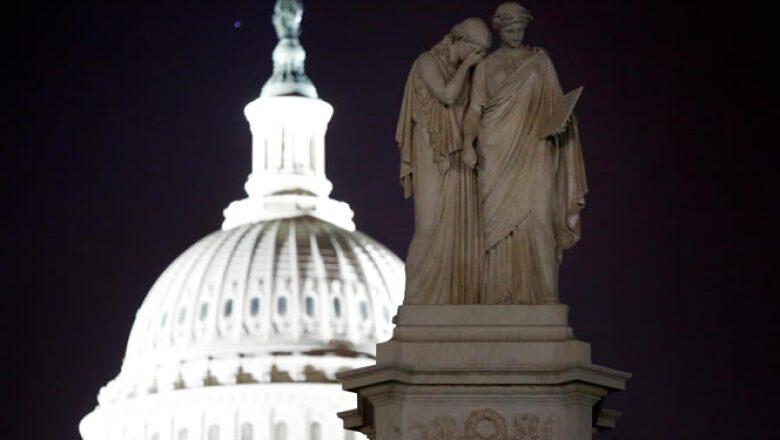 El Senado y la Cámara de Representantes no logran un acuerdo que evitara el cierre parcial de algunas de las actividades del Gobierno por falta de recursos.