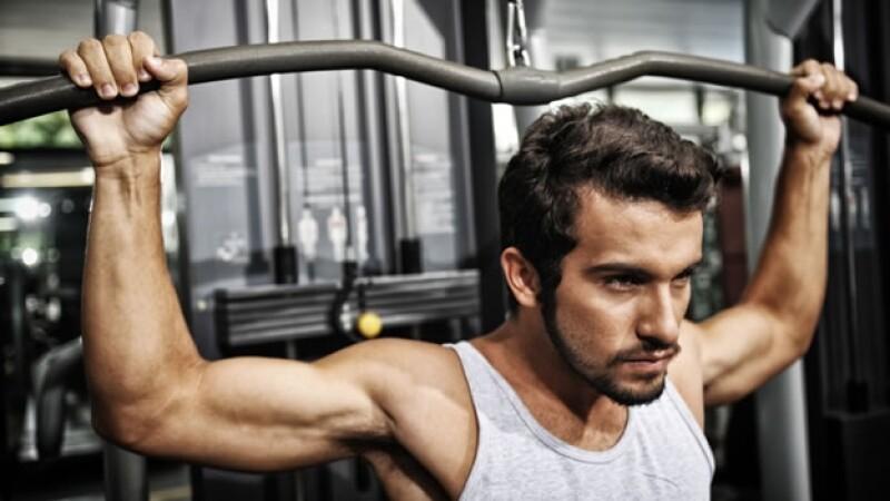 hombre ejercicio entrenamiento