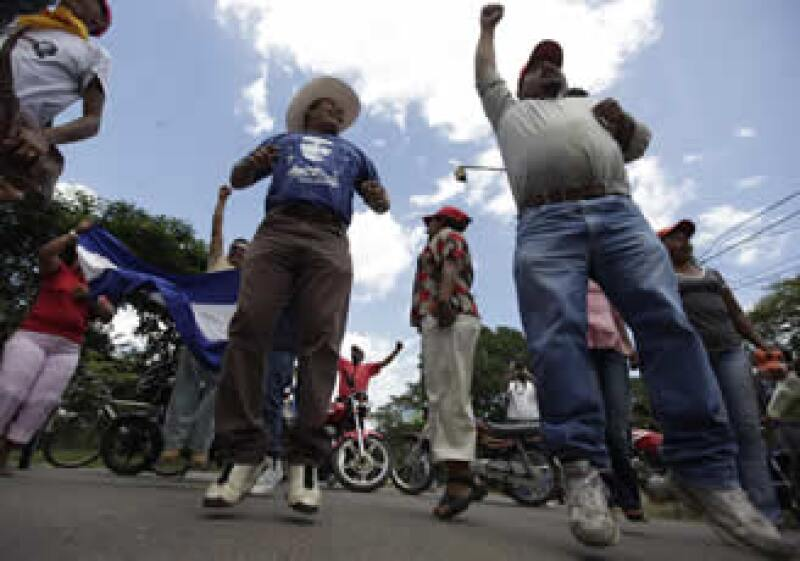 Las protestas en Honduras se desataron tras la destitución del presidente depuesto Manuel Zelaya.  (Foto: Reuters)