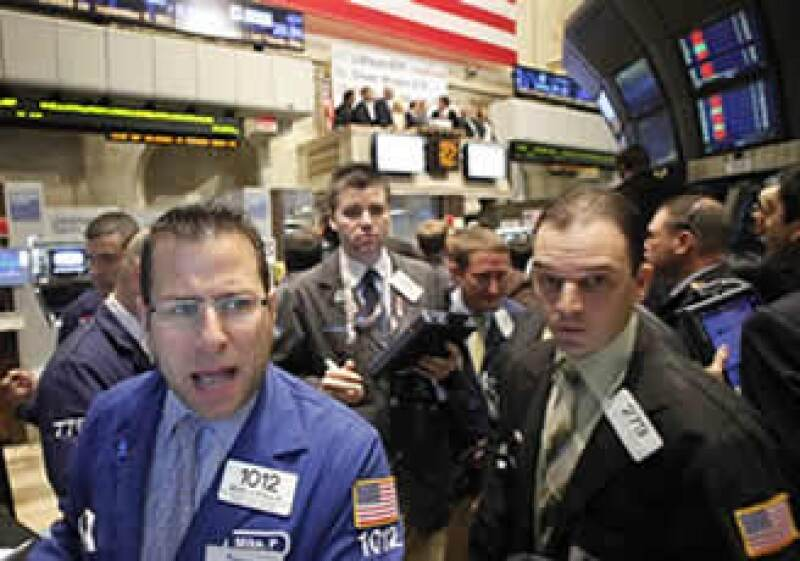 La Reserva Federal se dijo dispuesta a dar más estímulos para impulsar la recuperación de la economía en EU. (Foto: AP)