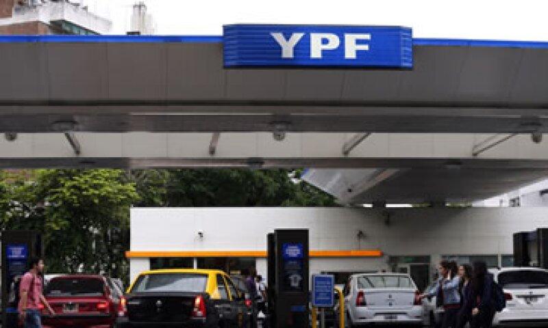 En 2012, Argentina nacionalizó el 51% de la petrolera argentina YPF que estaba en manos de Repsol. (Foto: Reuters)