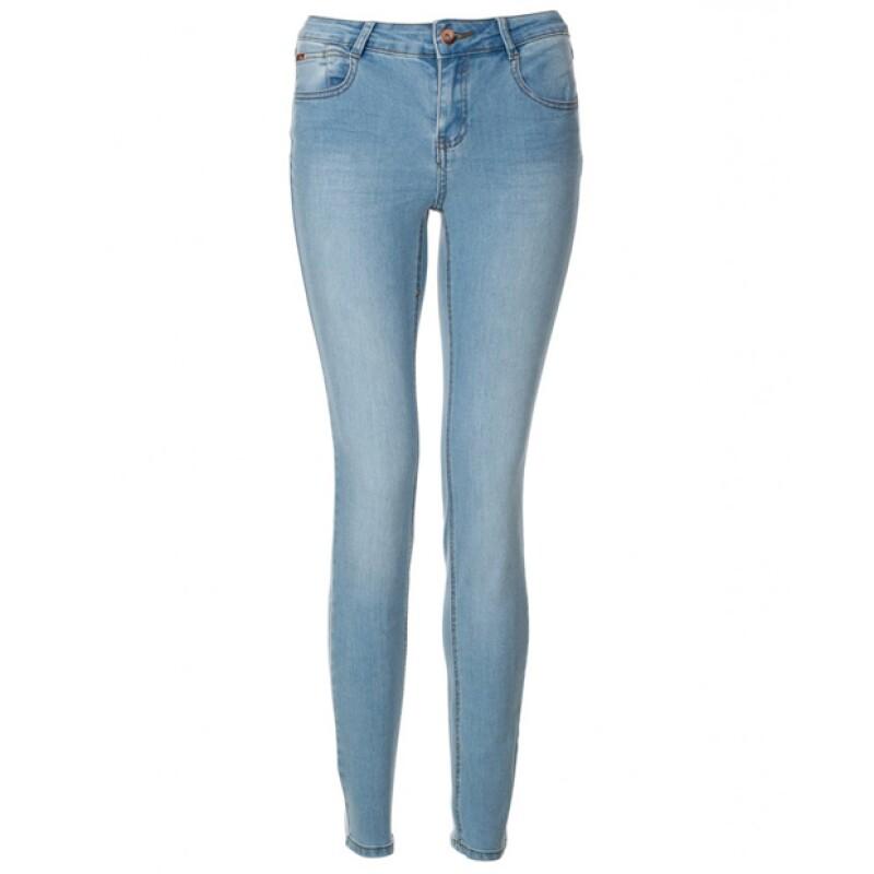 Tras lo ocurrido con los skinny jeans de una mujer en Australia, hacemos un recuento de los accidentes de make-up o prendas más sonados.