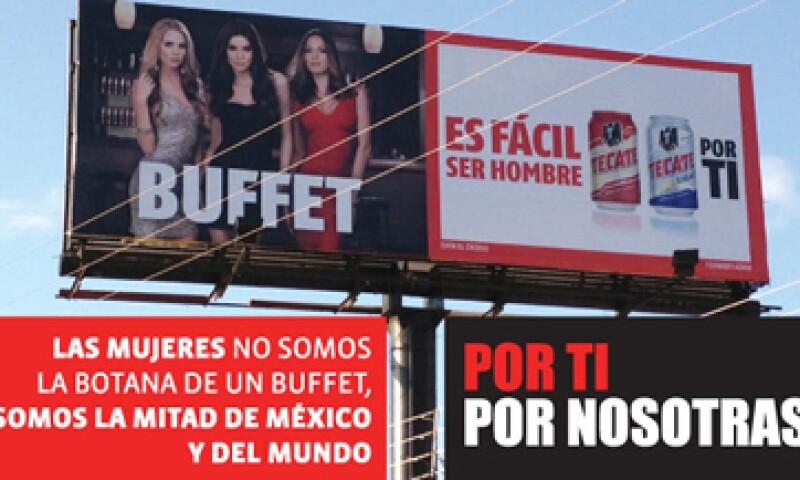 El anuncio muestra a una mujer rubia, una morena y una pelirroja vestidas con prendas de cóctel. (Foto: Tomada de change.org)