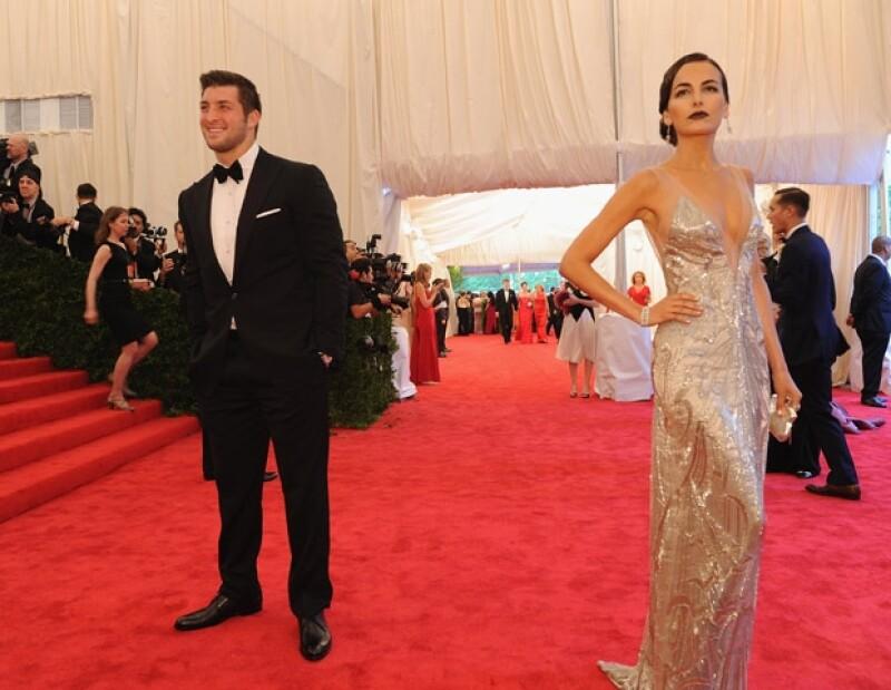 Después de muchos dimes y diretes, sí existe un romance entre la actriz y el jugador de futbol americano de los New York Jets.