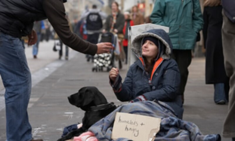 Francia registró una ligera alza de personas en riesgo de pobreza y exclusión, mientras que Alemania tuvo un descenso. (Foto: Thinkstock)