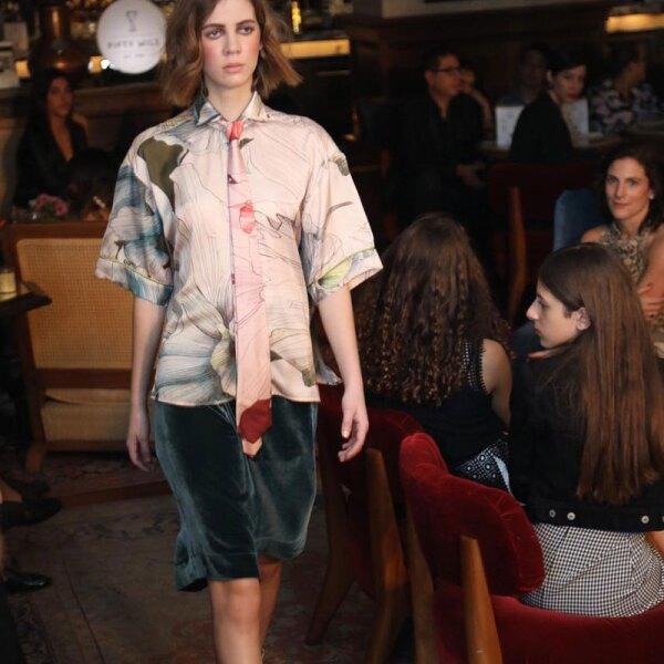 Sandra-Weil-MBFWMX-Runway-Floral-Blouse-and-Velvet-Skirt