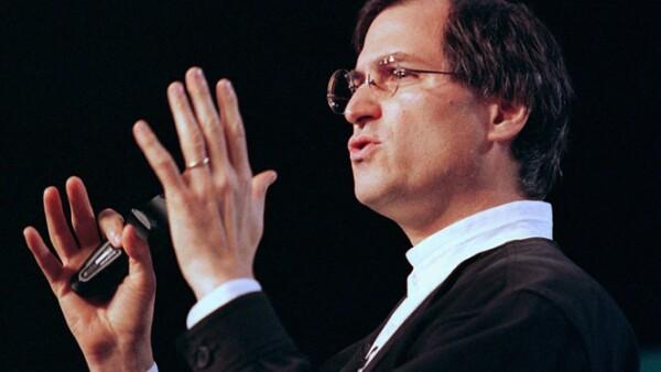 Steve Jobs dejó Apple en 1985 y fue hasta septiembre de 1997 cuando lo nombraron presidente ejecutivo provisional, después que la compañía registrara pérdidas de más de 1,800 mdd.