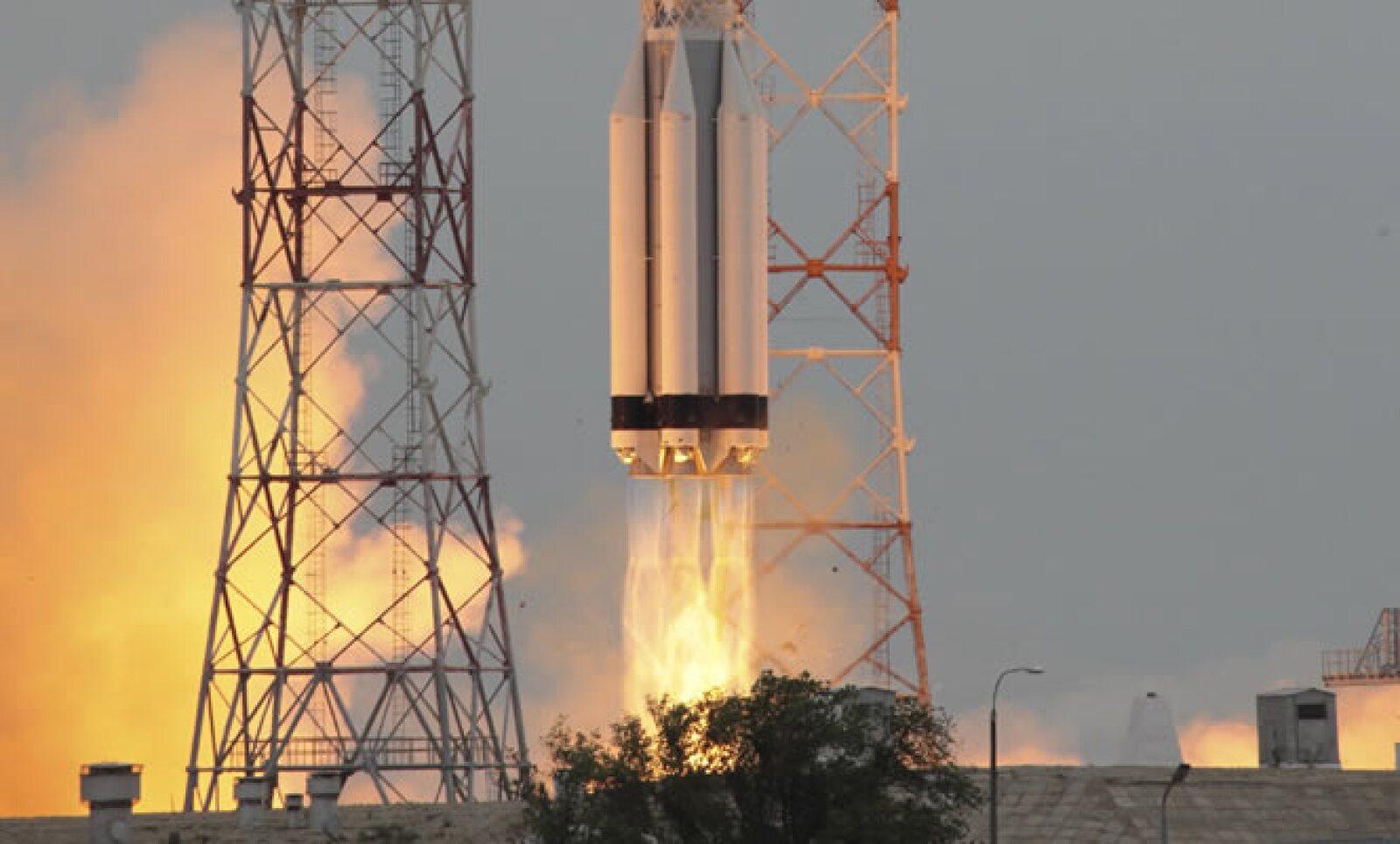 El satélite tiene seguros comerciales de cobertura amplia que amparan al 100% la inversión, informó la Secretaría de Comunicaciones y Transportes.