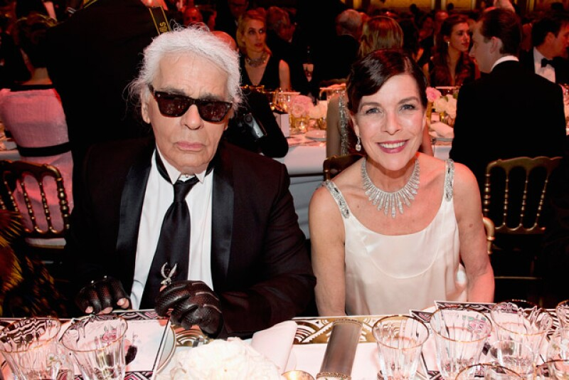 Durante la cena la princesa Carolina y Karl Lagerfeld se sentaron juntos.