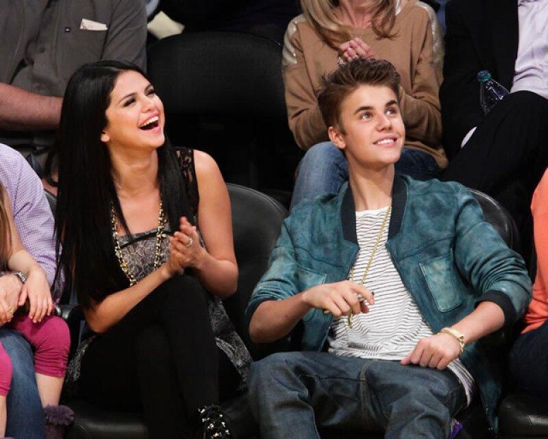 A pesar de que lo han ligado con varias mujeres desde que terminó con la cantante en 2014, Justin no se ha topado con alguien que lo haga olvidarla.