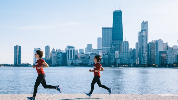 El pasado 11 de octubre se celebró la edición 38 de este legendario maratón donde 45 mil corredores dieron el todo por el todo. Aquí el testimonio de estas dos mexicanas.