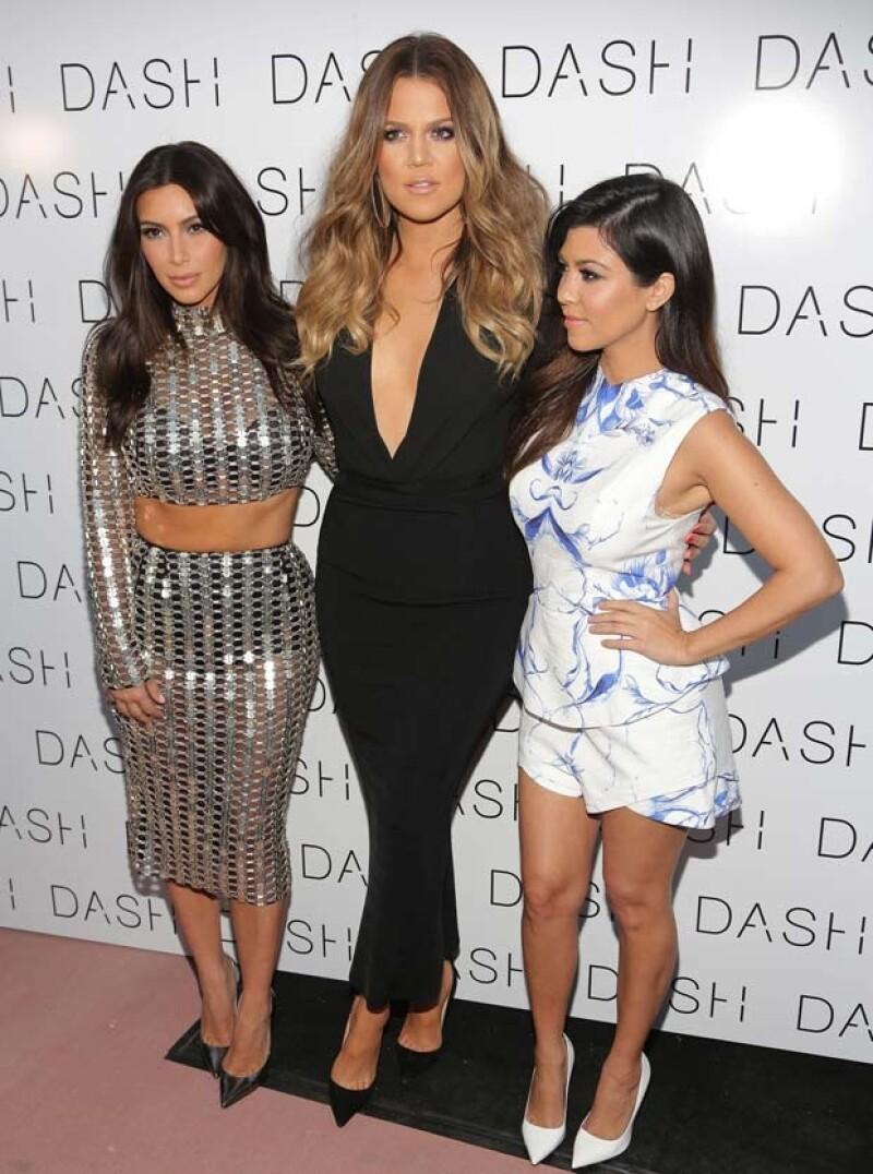 Ayer la futura esposa de West junto a sus hermanas Kourtney y Khloé viajaron a Miami para la apertura de su tienda Dash, donde la segunda hermana usó un vestido que generó muchas críticas.