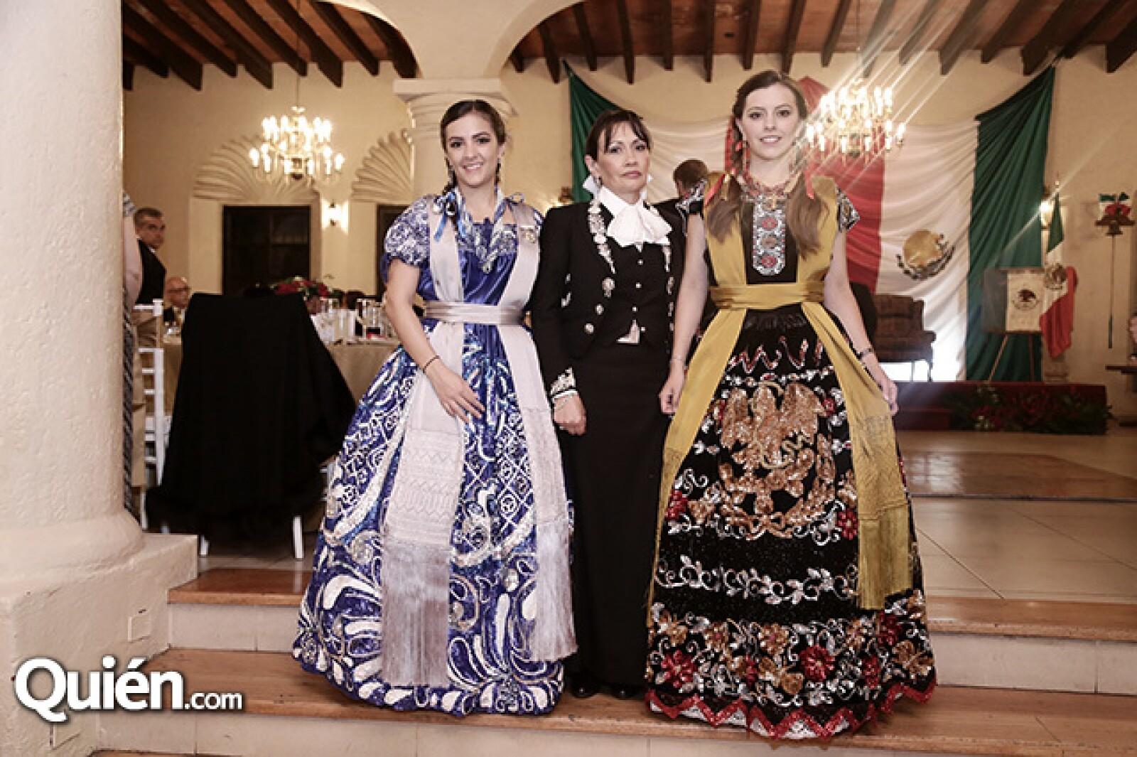 Mariana, Lilian y Andrea Franco