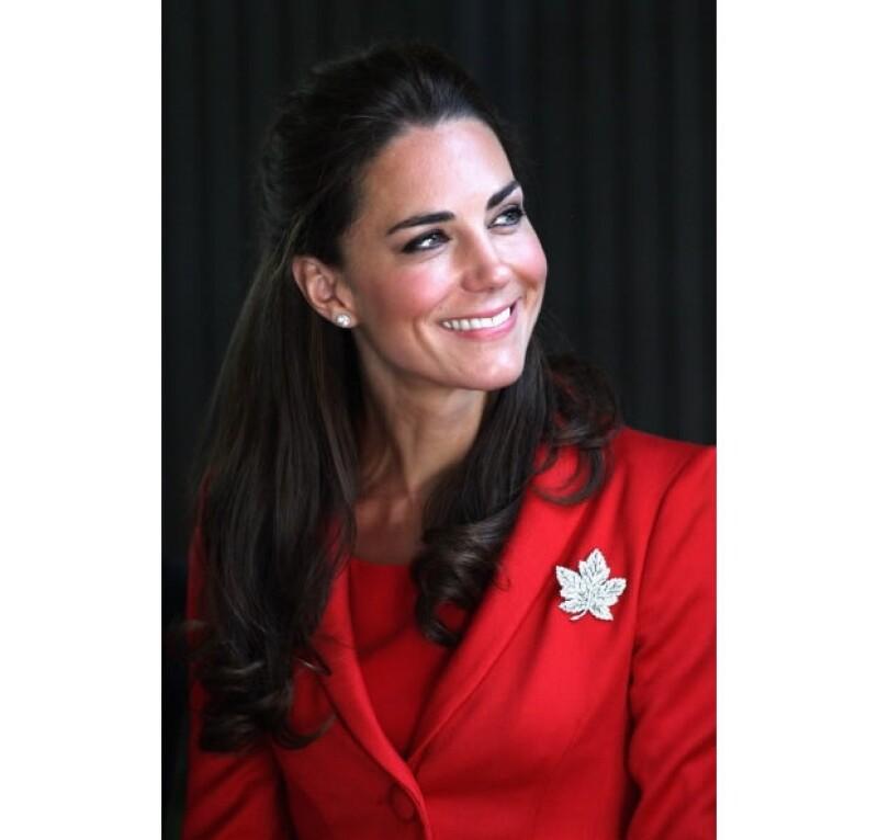 El broche de hoja de maple es el símbolo nacional de Canadá.