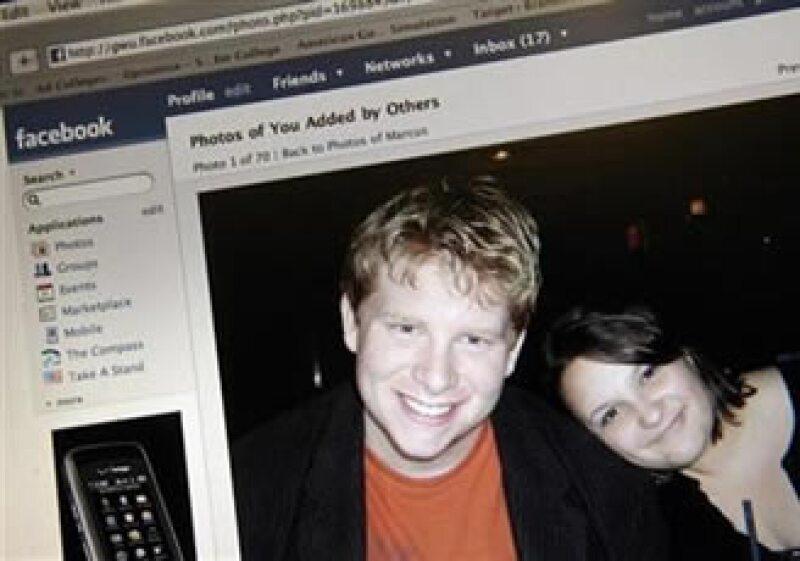 Facebook es el cuarto sitio Web más visitado en el mundo. (Foto: Reuters)