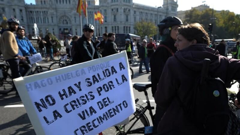 Españoles protestan ante la crisis