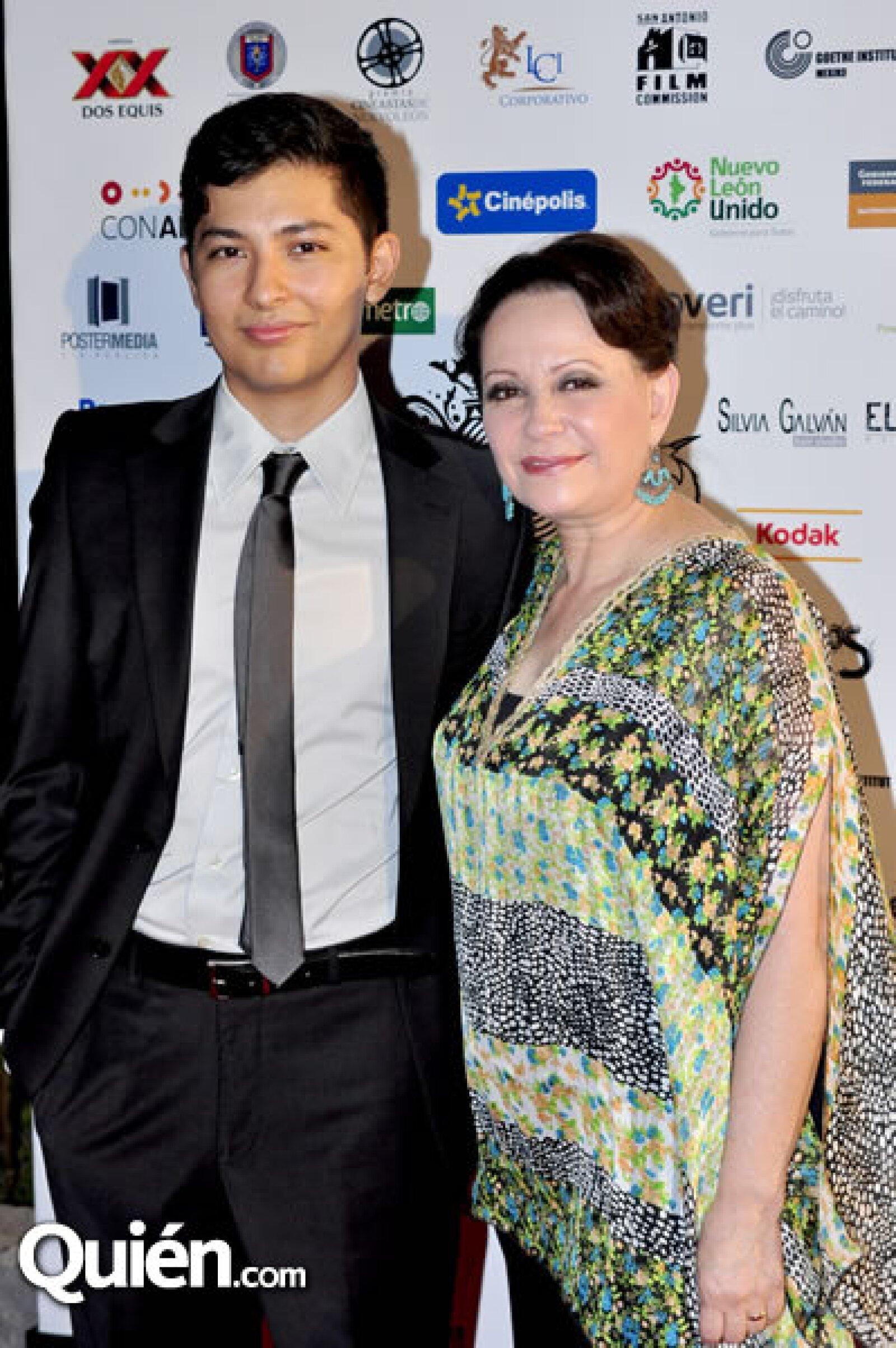 Alejandro y Adriana Barraza