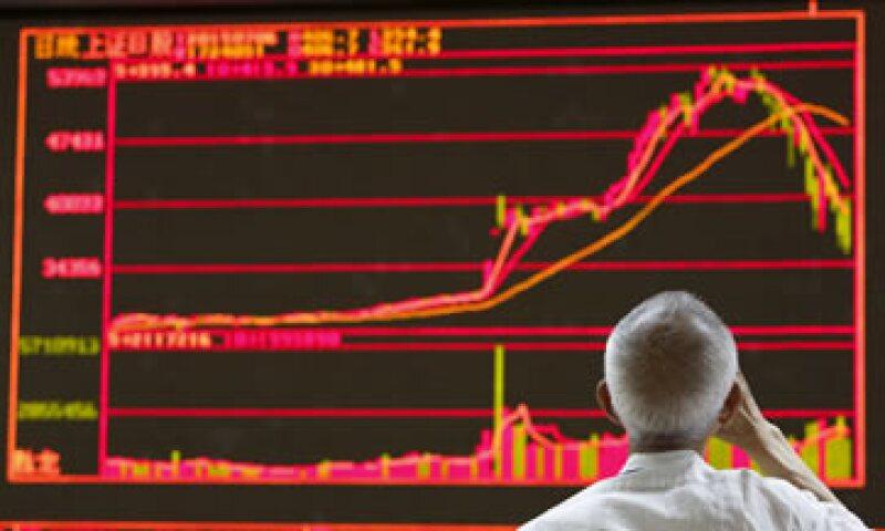 Los principales índices de acciones de China han perdido cerca de un 30% durante las últimas tres semanas. (Foto: Reuters )