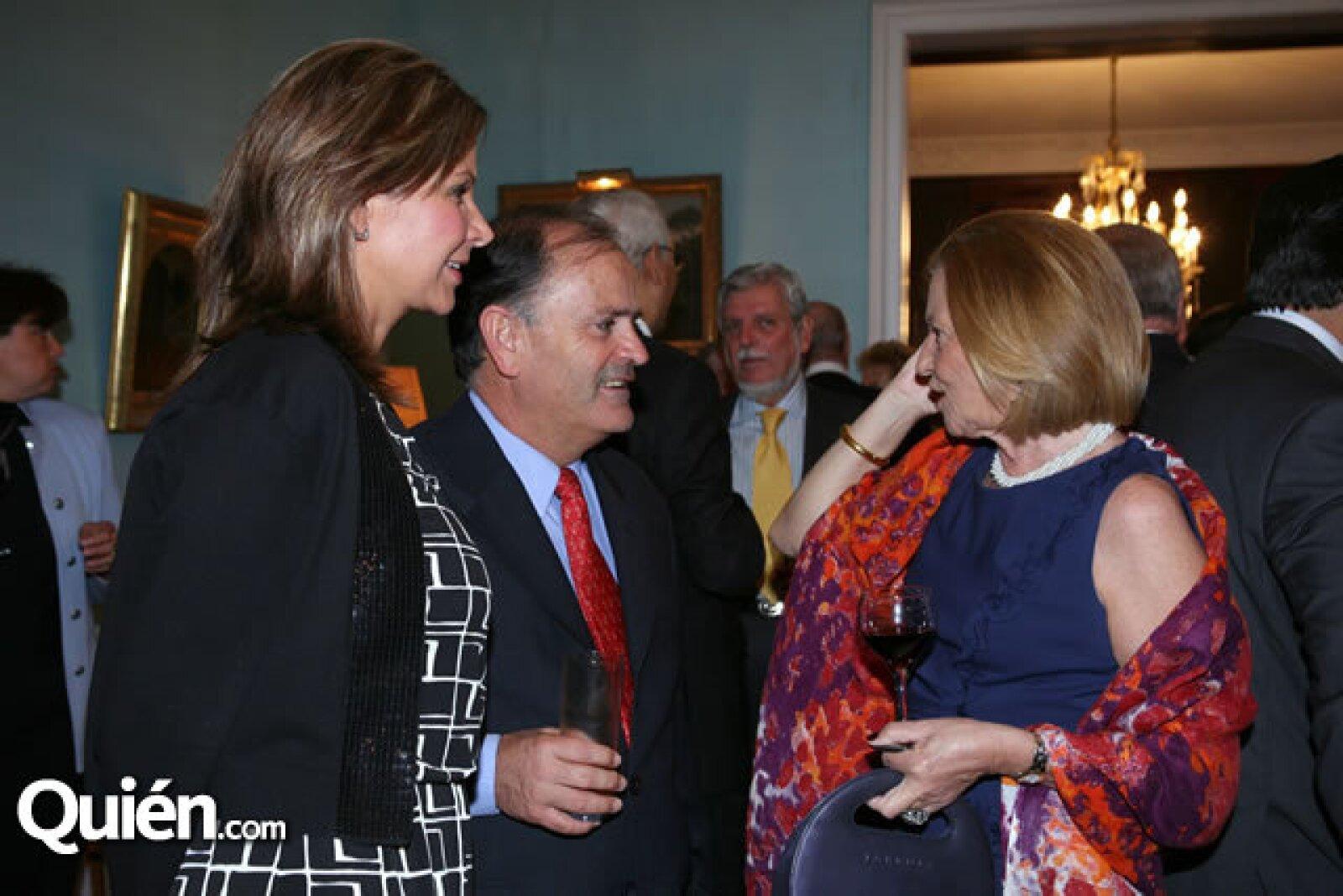 Adriana Martínez,Joao Caetano de Silva,Cristina Alabart
