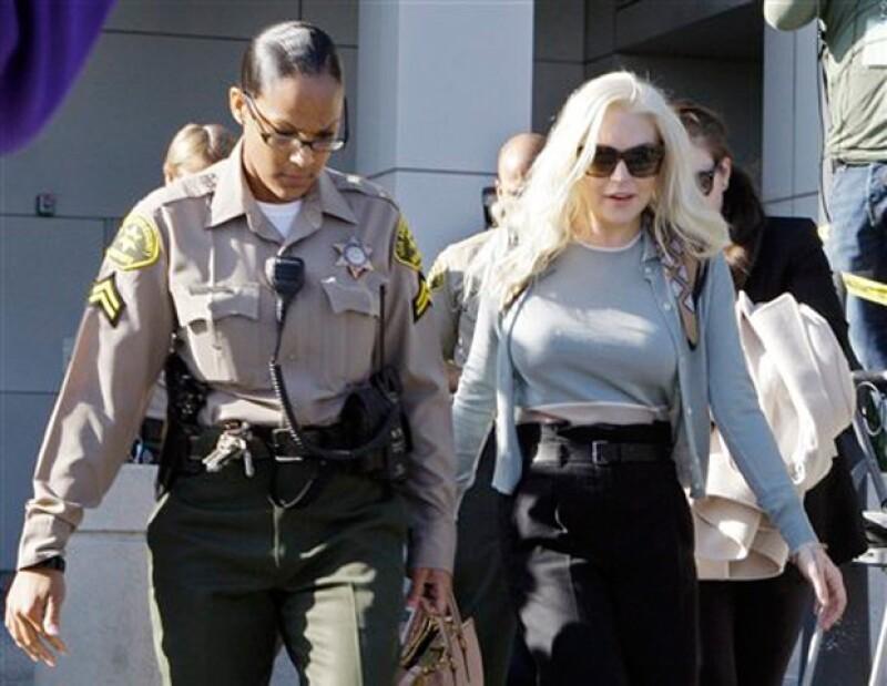 La cantante y actriz estadounidense consiguió comentarios favorables en la Corte, que le permitirán seguir con su libertad condicional.