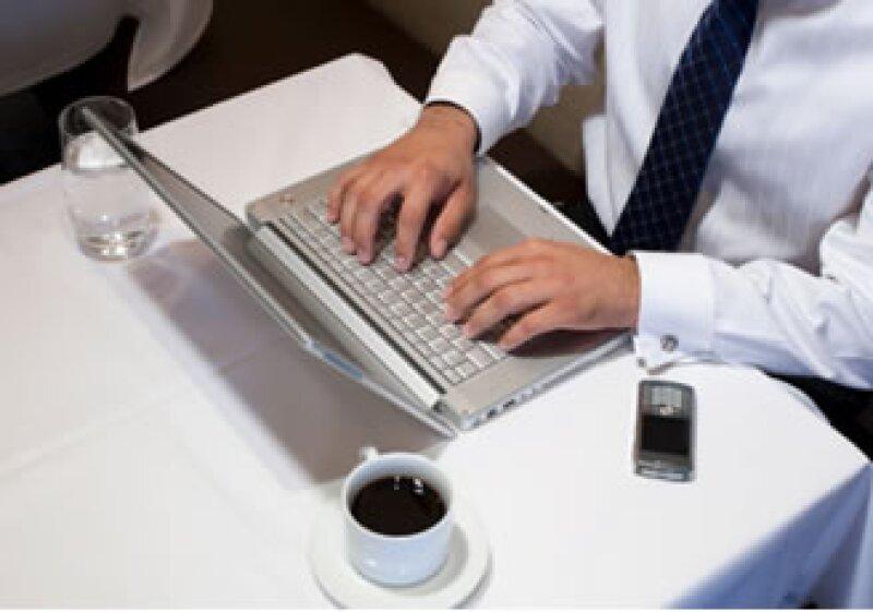Cuando los usuarios escogen un dispositivo, están eligiendo cierto contenido. (Foto: Jupiter Images)
