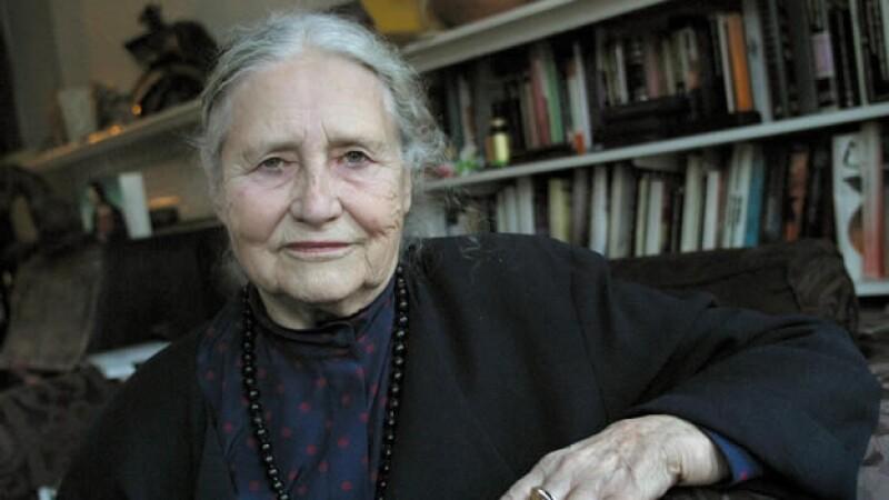 Retrato de escritora britanica Doris Lessing