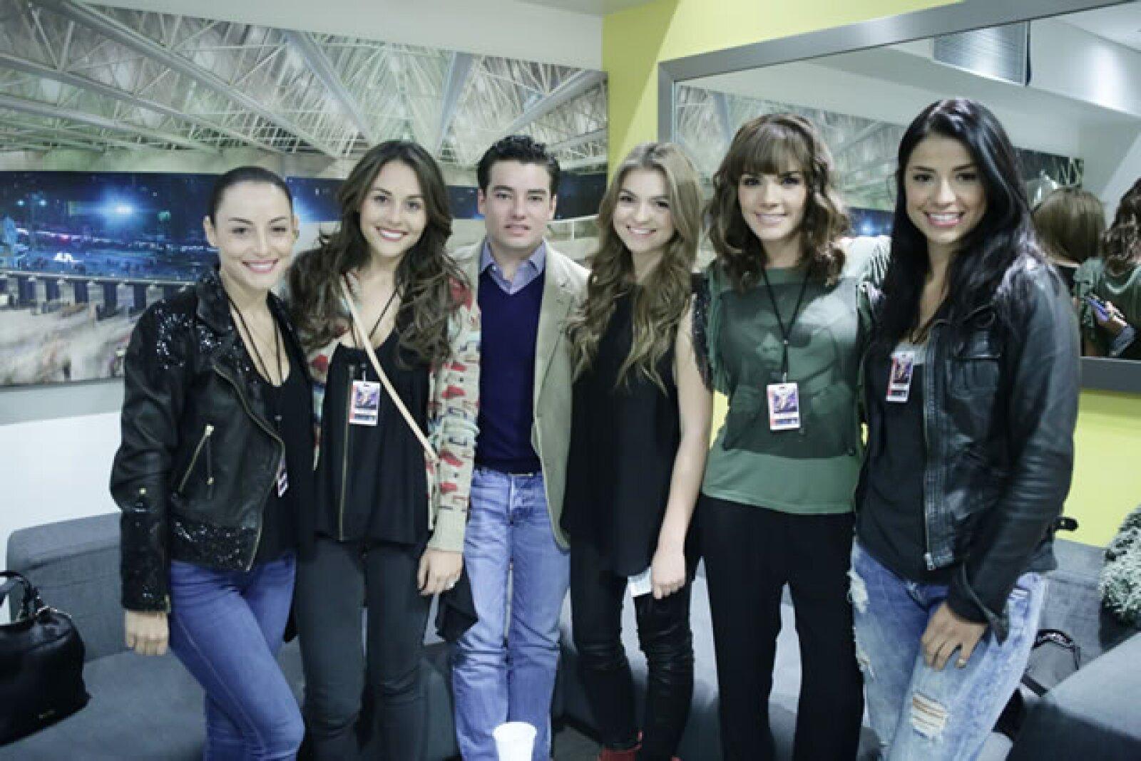 Marimar Vega, Zuria Vega, Jorge Alvarez, Sofía Castro, Rossana Nájera y Maria Fernanda Quiroz.