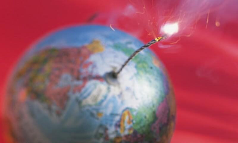La economía de EU puede enfrentar una caída por las medidas fiscales restrictivas que se apliquen en 2013. (Foto: Thinkstock)
