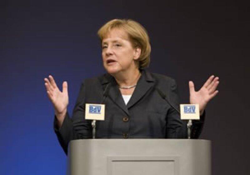 Merkel espera que la decisión final sobre Opel se produzca pronto. (Foto: Reuters)